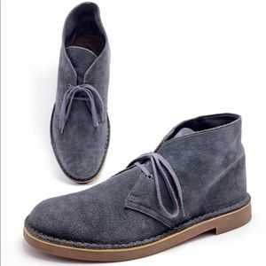 Clarks 11.5M Gray Suede Desert Chukka Boots
